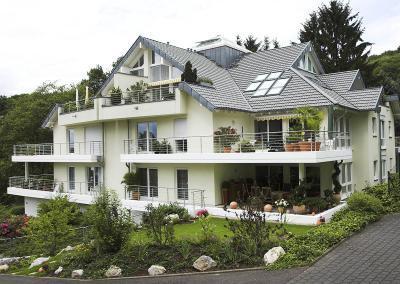 Dachlandschaft Mehrfamilienhaus (Bad Honnef)